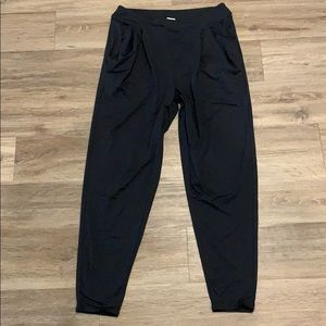 💋 Like new Fabletics joggers